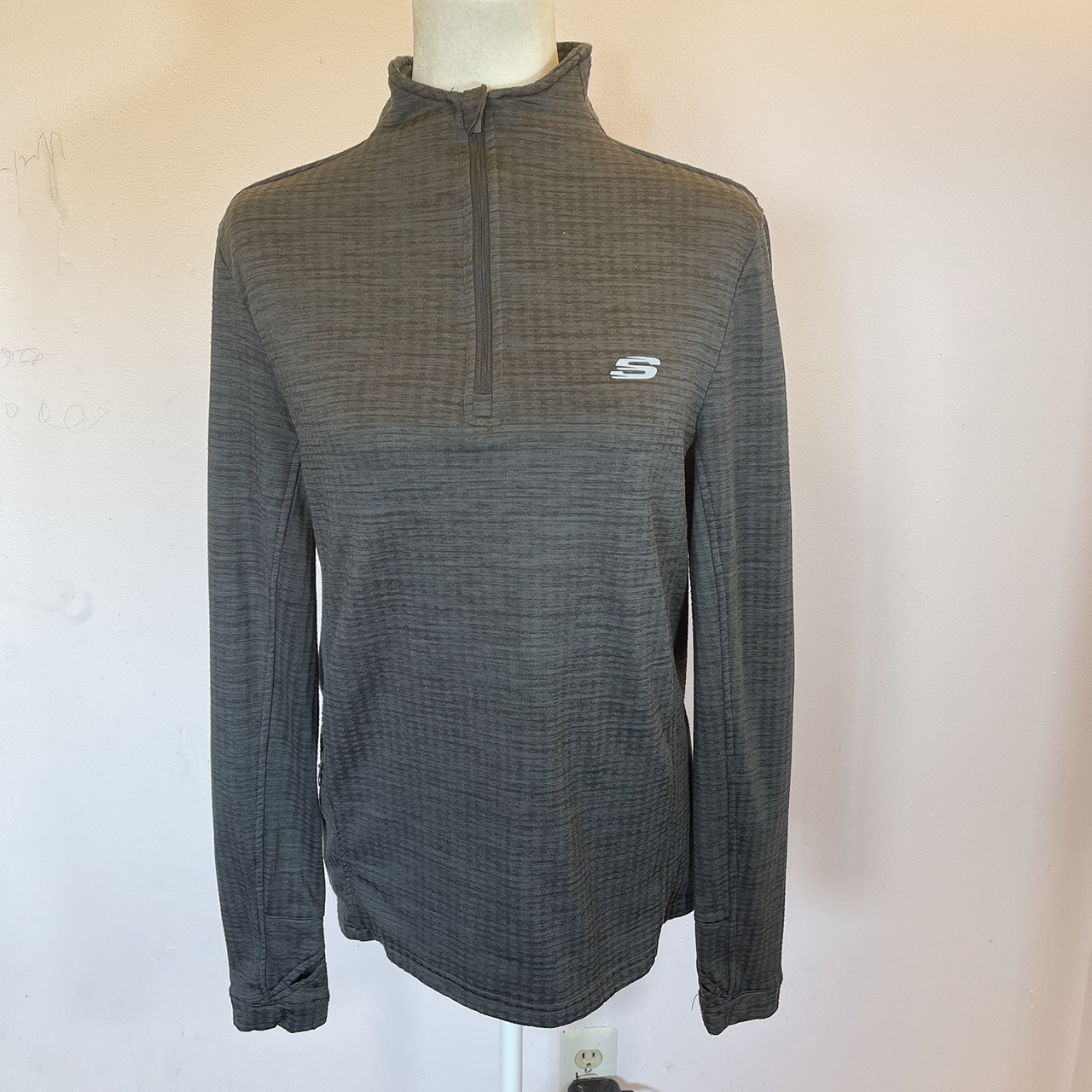 Product Image 1 - Skechers Sport Pullover Woman. This