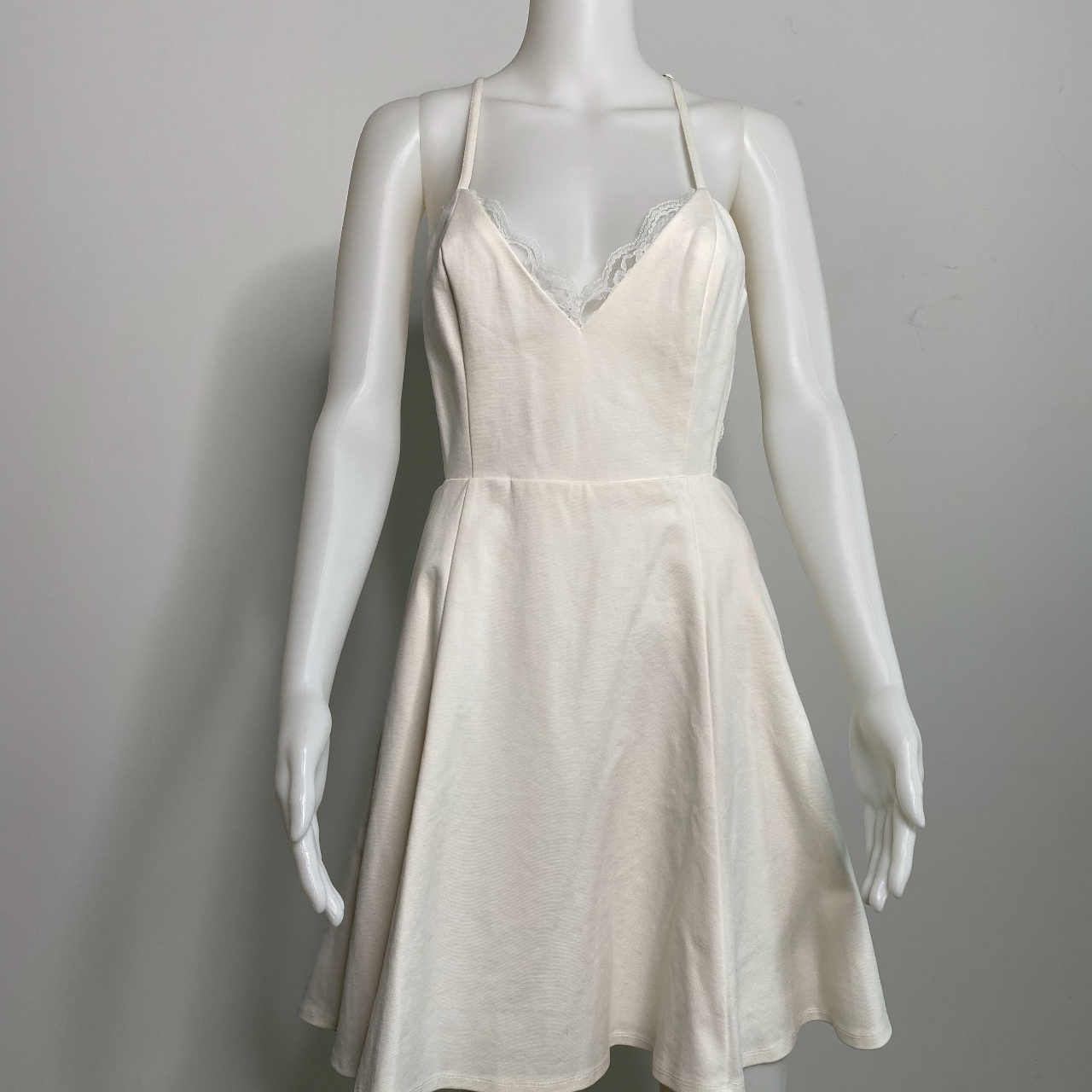 Product Image 1 - Adorable and trendy white dress
