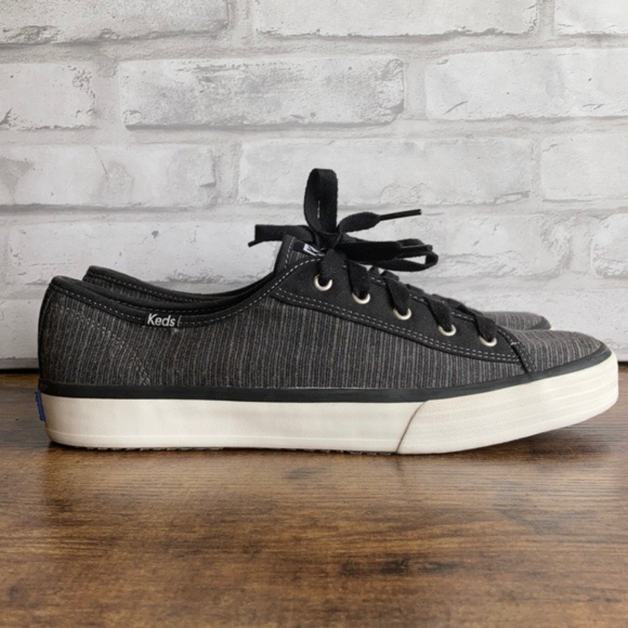 Product Image 1 - Keds Black Striped Canvas Sneaker